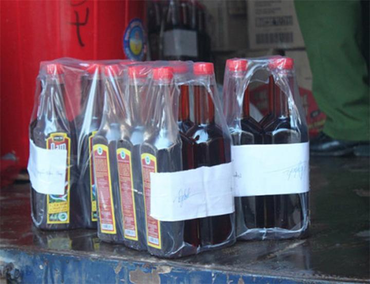 Những chai nước mắm Nam Ngư giả