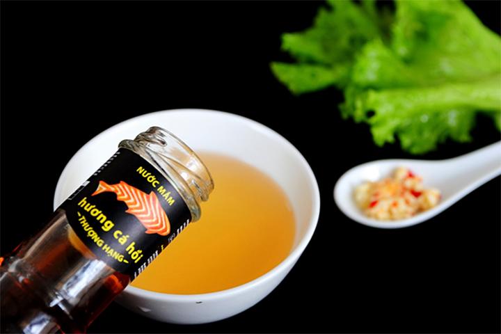Những giọt nước mắm Chinsu cá hồi thơm ngon